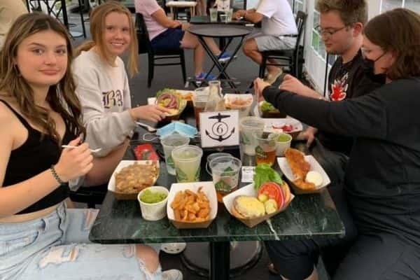 Outdoor Diners