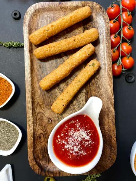 Provolone Cheese Stix (4 pc)*