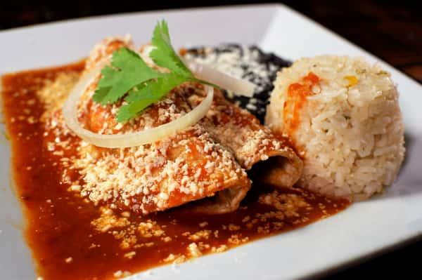 Enchiladas De Cochinita