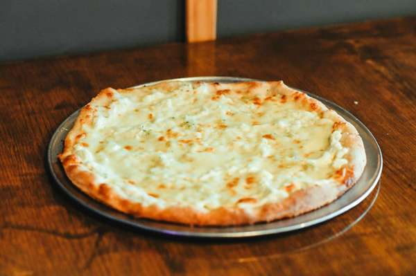 (L) NY White Pie