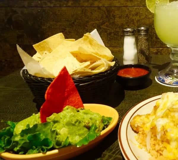 guacamole chips salsa