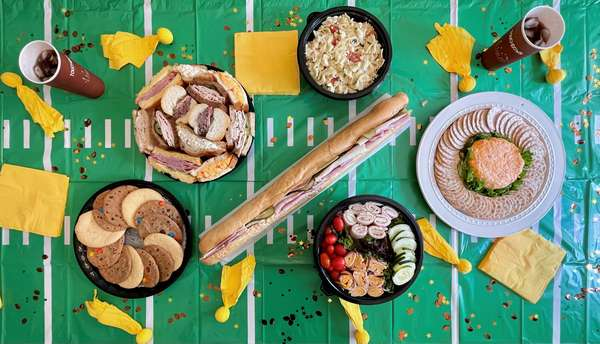 Gameday Tailgate Package - Large (Serves 20-25)