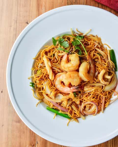 Seafood Egg Noodles - Mì Xào Mểm Hải Sản