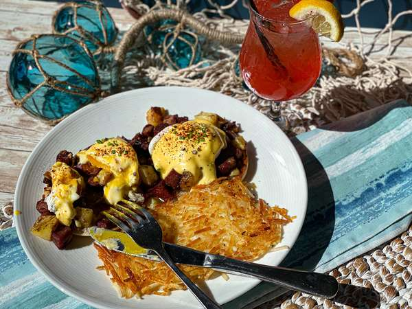 Corned Beef Hash Eggs Benedict with Cocktail