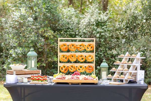 catering table decor
