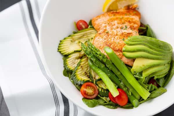Grilled Salmon Salad