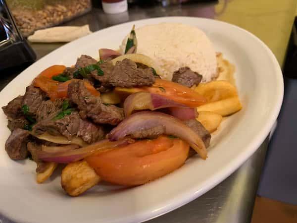 Lomo Saltado Carne (Beef)
