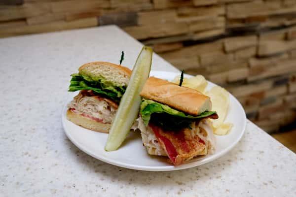Chicken BLT Sandwich with pickle