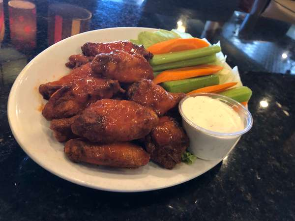 Spicy Hot Wings (10 Pieces)