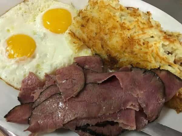 Corned beef or pastrami & eggs