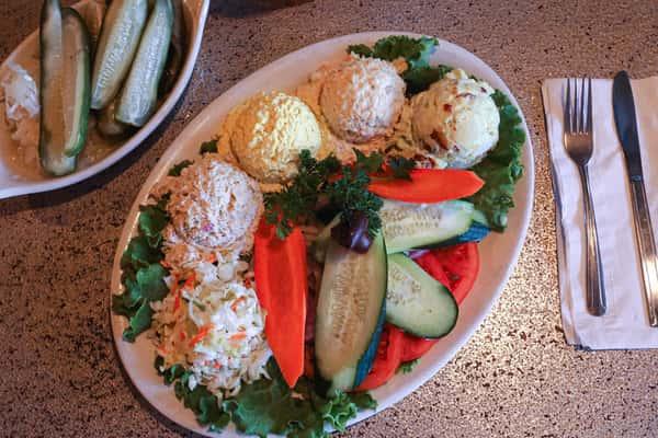 Tri salad platter