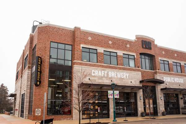 Four Day Ray Brewery exterior