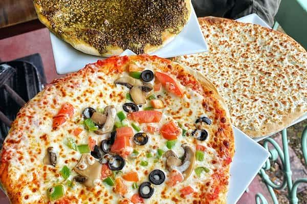 Mana'geesh - Veggie Pizza