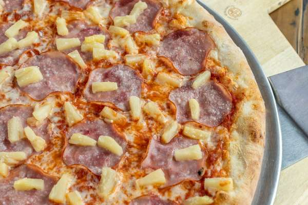 isabella_canadian_bacon_pineapple_5