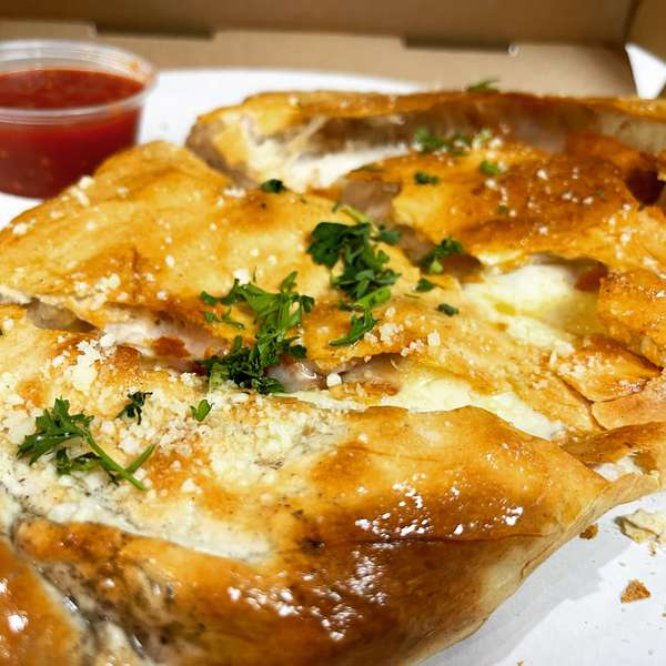 RD's Calzone