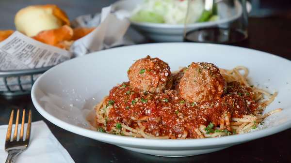 Spaghetti with Meatballs or Sausage Links