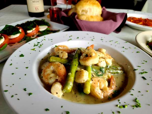 Shrimp and Scallops Scampi