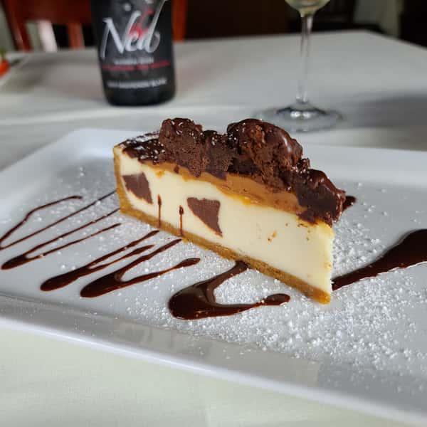 Brownie Carmel Cheesecake