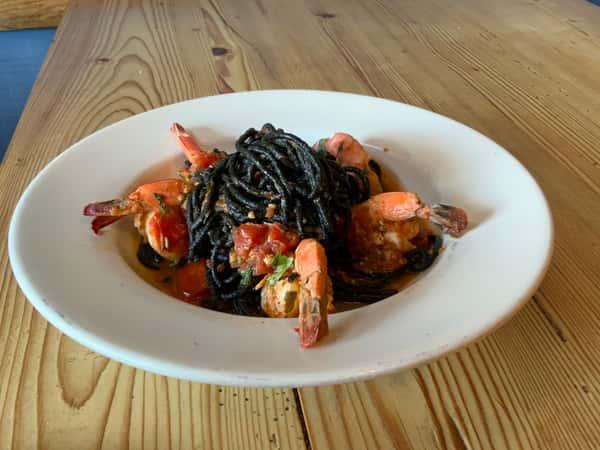 Squid Ink Spaghetti Al Gamberoni