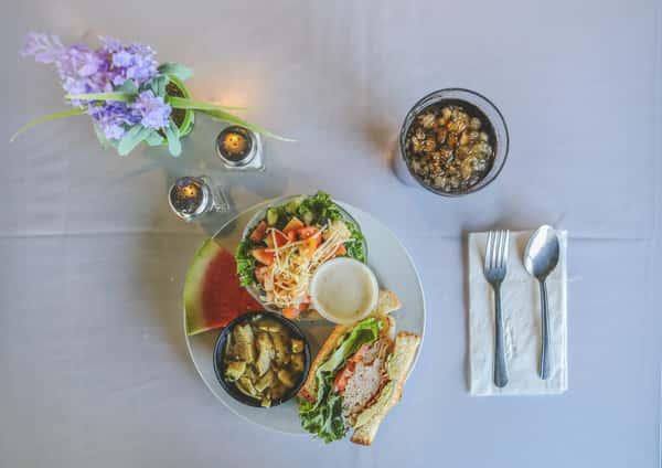 Soup, Salad & Half Sandwich