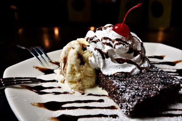 big chow brownie sundae