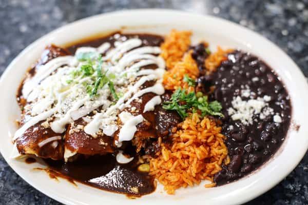 Enchiladas De Molé Poblano