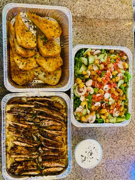 Alfredo Family Feast