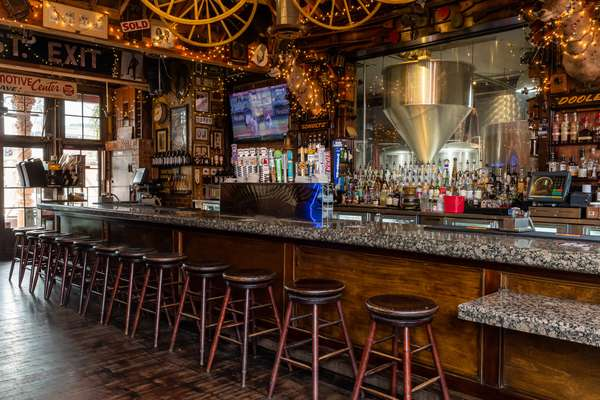 Heroes Brewery Bar top