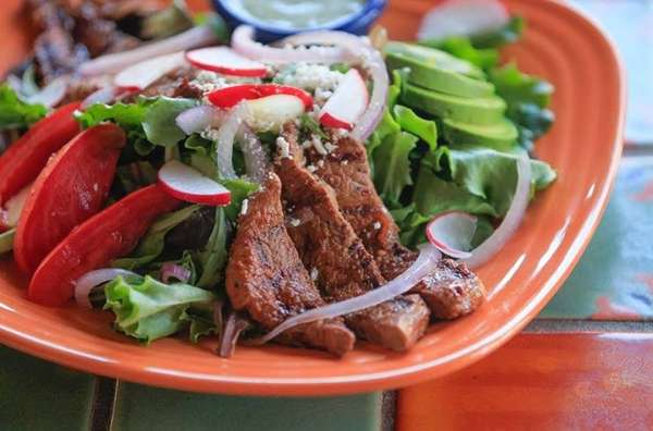 Ensalada De Carne Asada