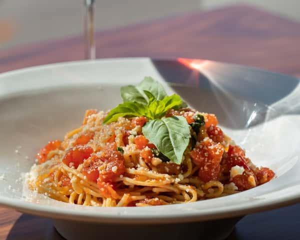 Spaghetti al Pomodoro & Basilico