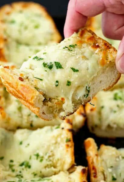 Garlic Bread w/ Mozzarella