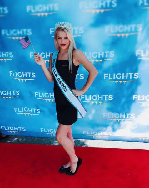 miss California contestant and Flights hostess