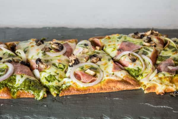 FLAT BREAD PIZZA
