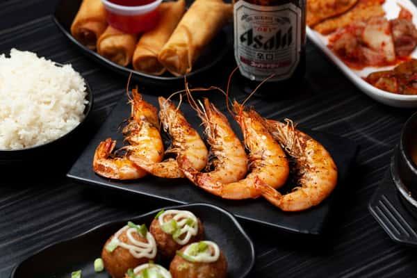 shrimp and rolls