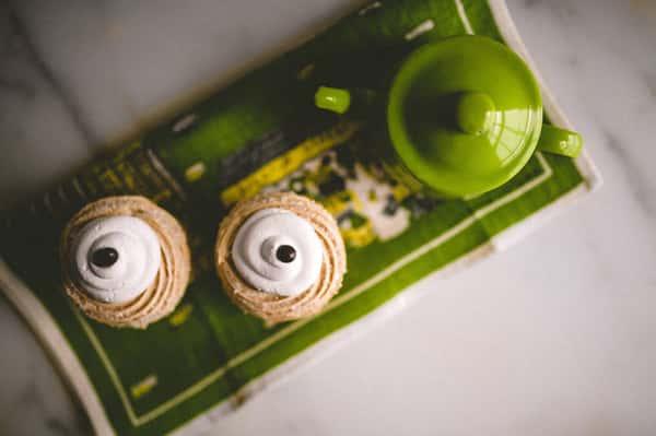 cupcakes and teapot