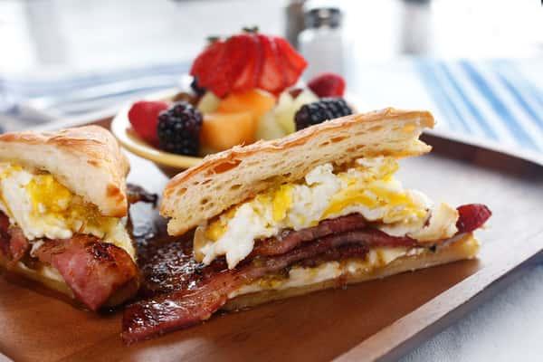 Breakfast Sando