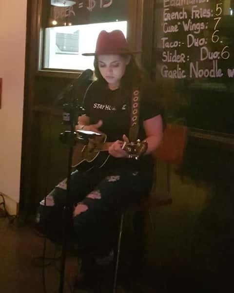 Kayla Renee Live - Bar in Huntington Beach