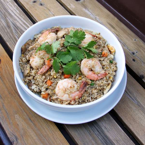 Fried Rice with Shrimp and Chicken