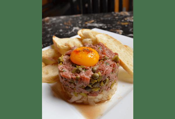 Steak Tartare*