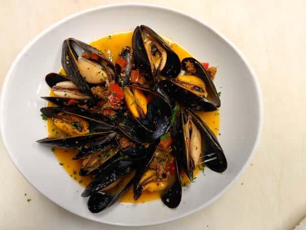 Mussels, Sausage & Beer