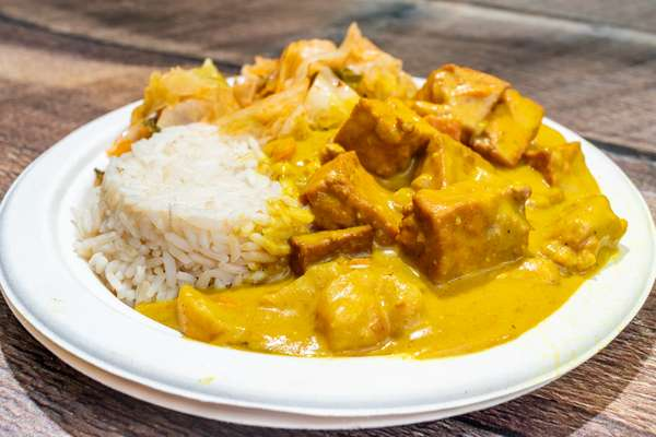 Curried_Tofu_White_Rice_Cabbage