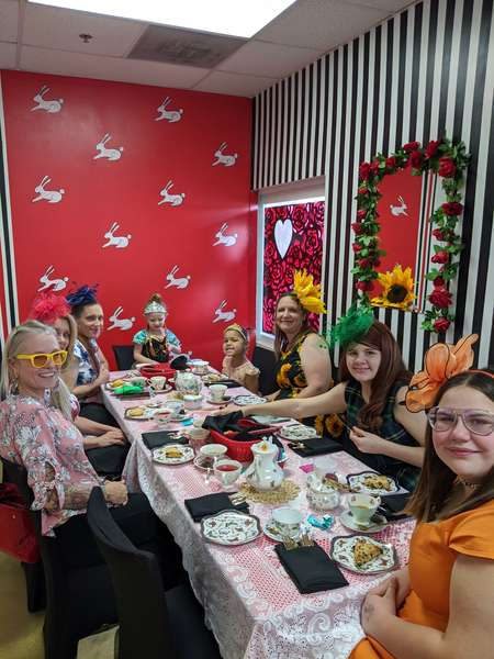 mom and daughter tea party at queen of hearts las vegas