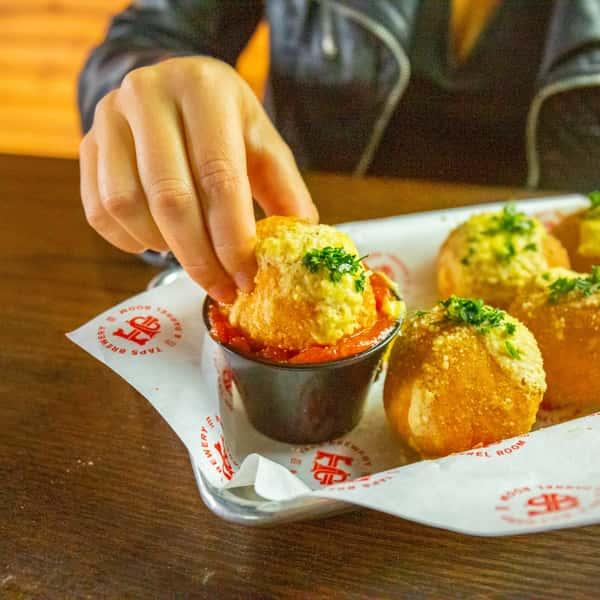Alondra's Famous Cheeseballs