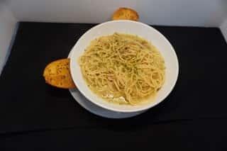 Spaghetti and Clam Sauce