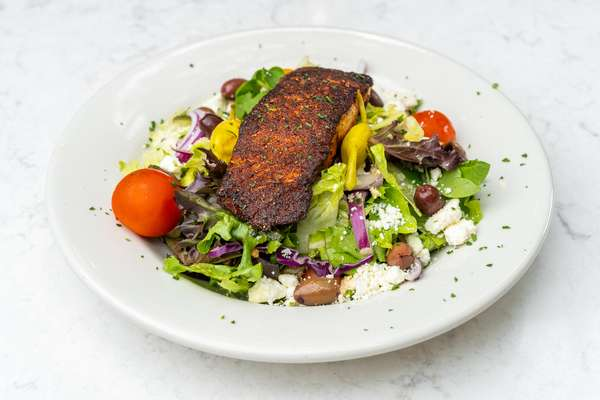 Greek_Salad_with_Salmon_08032021_05076_005