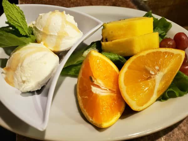 Fresh Fruit & Yogurt