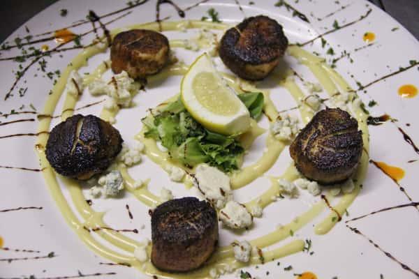 blackened scallops