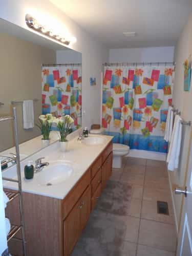 7 Bedroom Bath 1