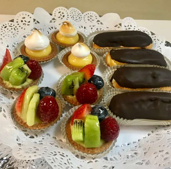 Petits Fours ( Mini Desserts)