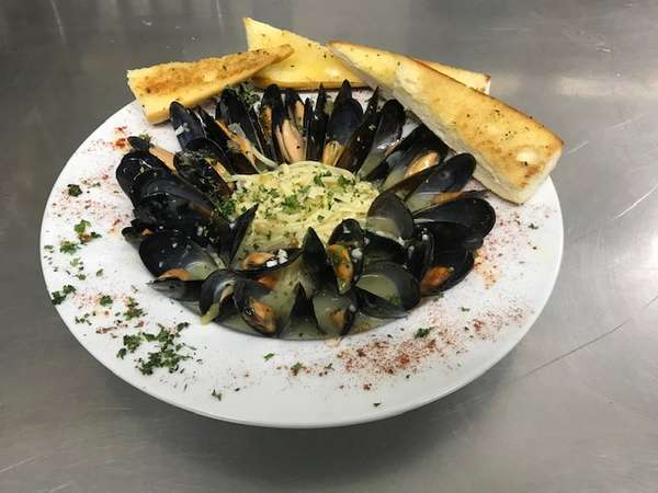 Mussels Over Linguine